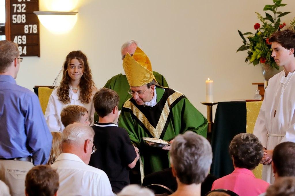 , Gift Bearers at Mass, St. Joseph-on-Carrollton Manor Catholic Church, St. Joseph-on-Carrollton Manor Catholic Church
