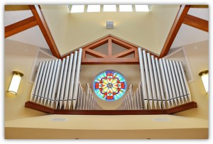 Rose window and pipes