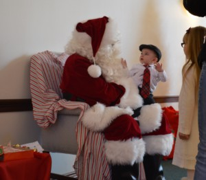 12Dec15 Breakfast with Santa (50) (800x698)